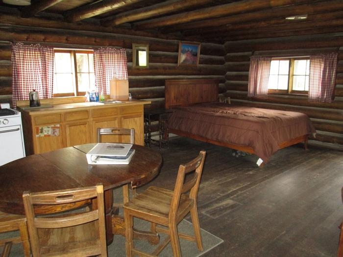 STOLLE MEADOWS CABIN