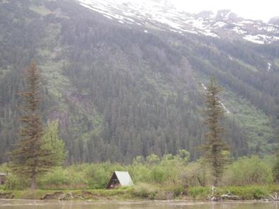 TWIN LAKES CABIN (AK)