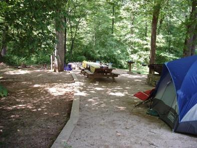 CAVE MOUNTAIN LAKE GROUP CAMP