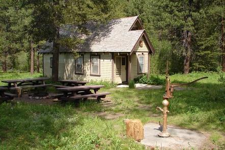 ANTLERS GUARD STATION CABIN