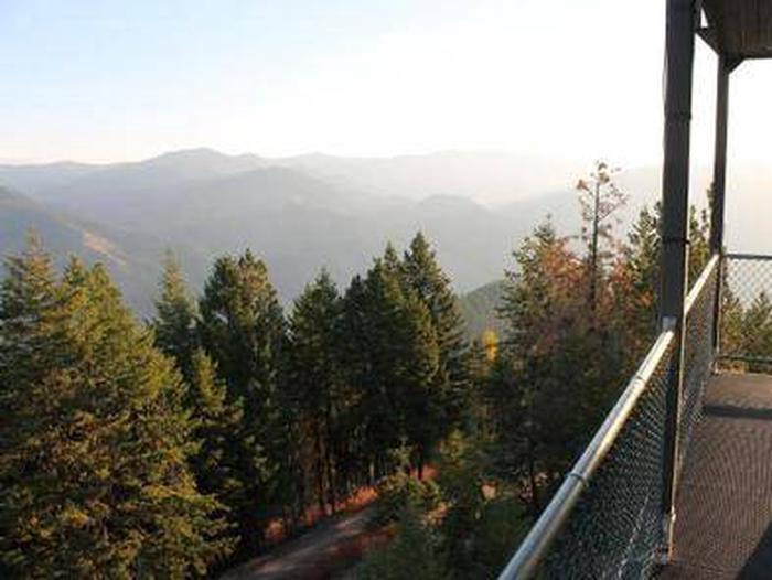 THOMPSON PEAK LOOKOUT TOWER